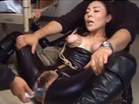 強くてクールな女性を拉致して拷問!SM調教に絶叫しながら悶絶する美女