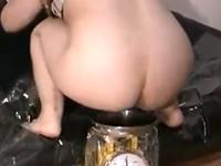 素人女子にうんこをしてもらい重さを測るド変態スカトロ映像