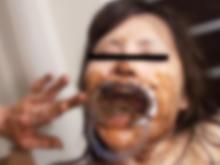 うんこ地獄に堕ちる素人少女!食糞と飲尿で排泄物まみれ