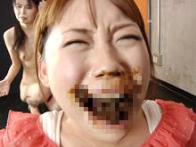 口の中にうんこされる女子 口から溢れても止まらない熟女の排便