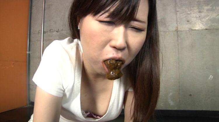 口の中にうんこされる女…5